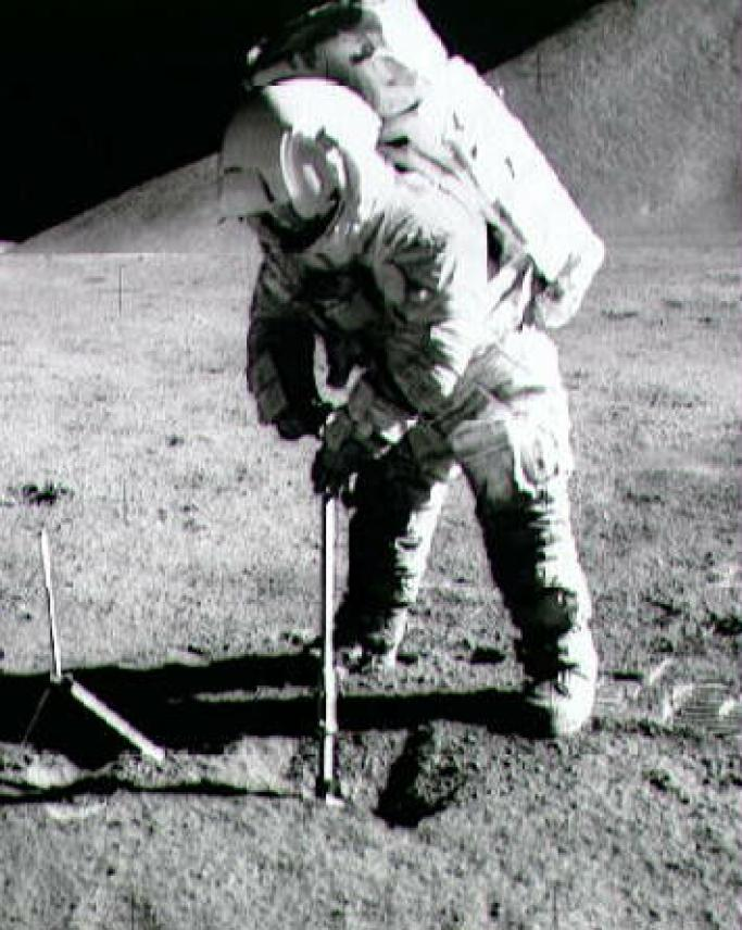 Resultado de imagen para alan shepard golf on the moon