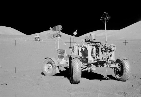 Apollo_17_lunar-rover-577x580