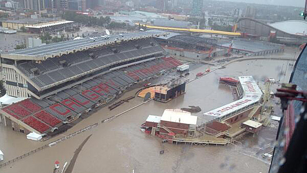 alberta_floods_saddledome