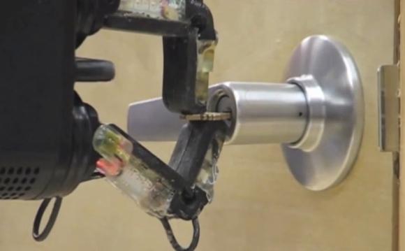 DARPA_robot