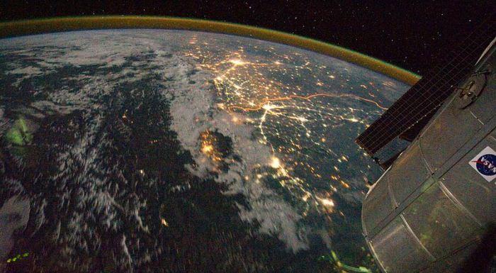 India-Pakistan_Borderlands_at_Night