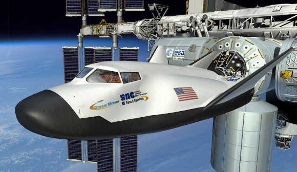 dream-chaser-docked