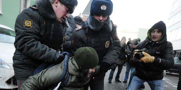russia-gay-law-crackdown