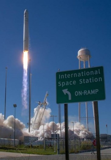 antares_launch2