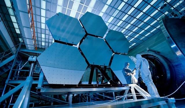 TESS_Space_Telescope_Mirror37-640x425