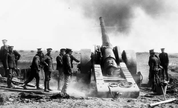 battle_of_vimy_ridge_field_gun_firing