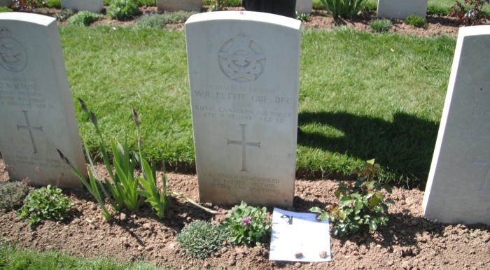 Wilmot Pettit's headstone, Ranville War Cemetery