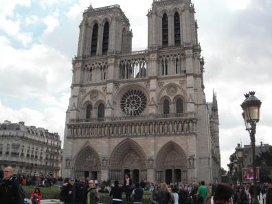 Notre Dame, exterior