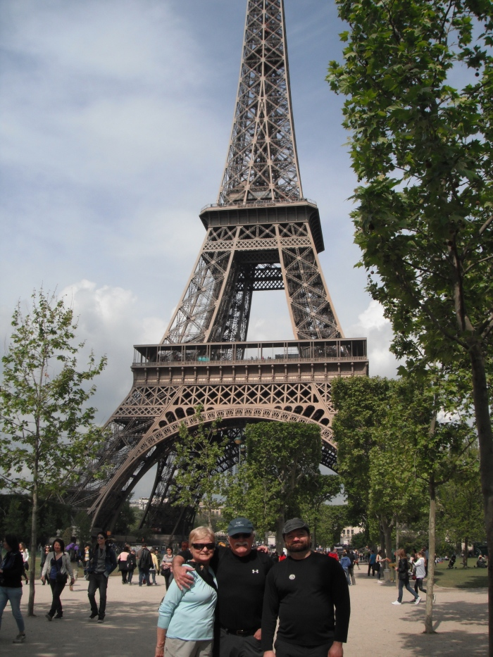 The folks and I in front of the Tour Eiffel