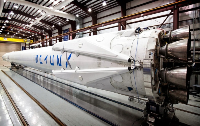 falcon-9-crs-3-retractable-legs