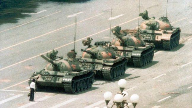tiananmen-square-1989-tank