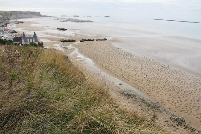 Arromanches_The Fallen