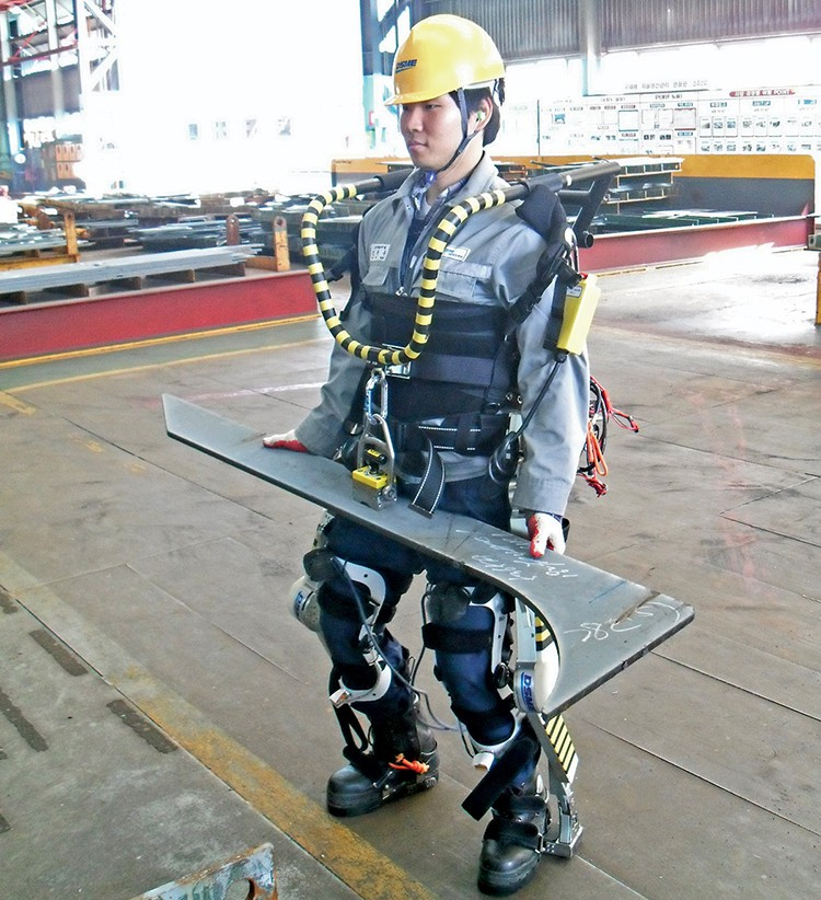 Robotic exosuit gives shipbuilders a strength boost