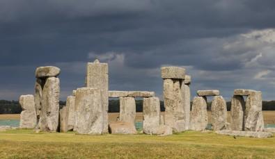 Stonehenge,_Condado_de_Wiltshire,_Inglaterra,_2014-08-12,_DD_09